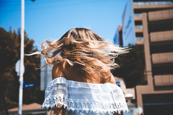 What's the Difference Between Ombrè and Balayage?